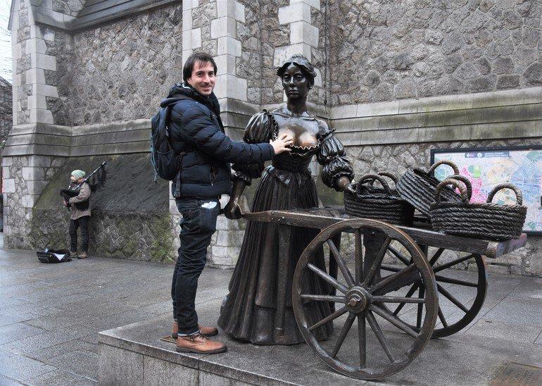 Estatua de Molly Malone- Que ver en Dublín en 3 días