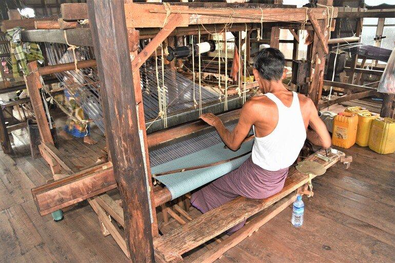 Fábrica de Tela - Lago Inle, Myanmar