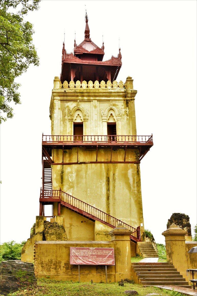 Torre del Reloj en Inwa- Que ver en Mandalay