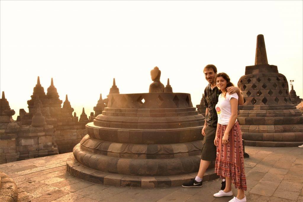 Con el buda más fotografiado de Borobudur