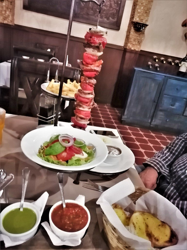 Restaurante las Antorchas Donde comer en Antigua - Que hacer en Antigua, Guatemala
