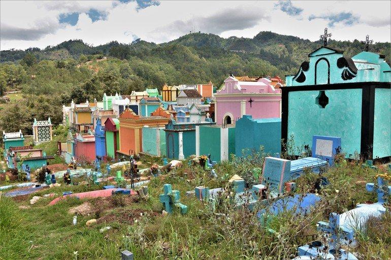 Cementerio Maya Chichicastenango