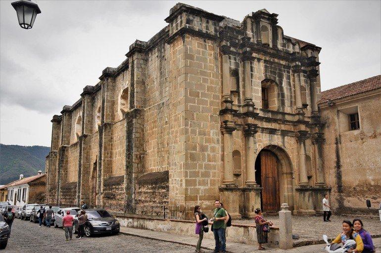 Iglesia de las Capuchinas - Visitar Antigua