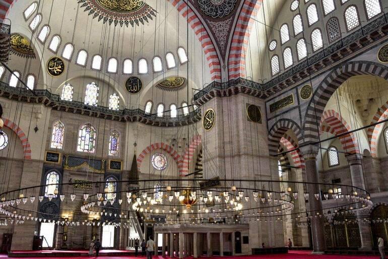 Mezquita Suleiman interior