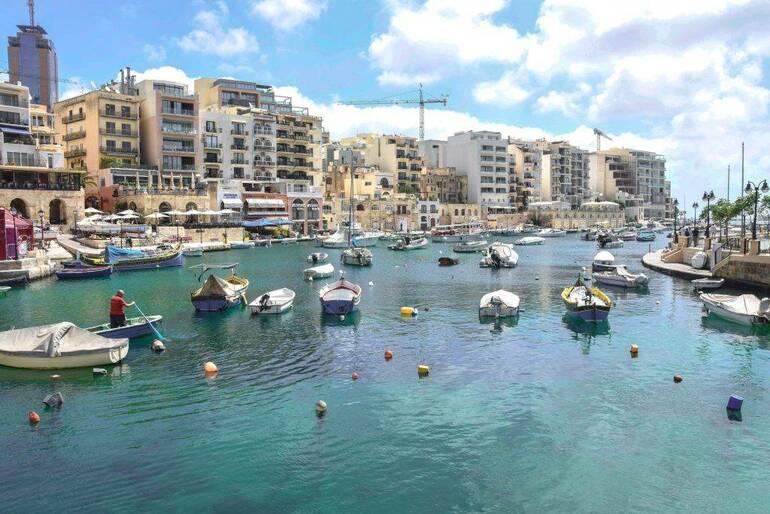 Que visitar en Malta, La Bahía de Spinola