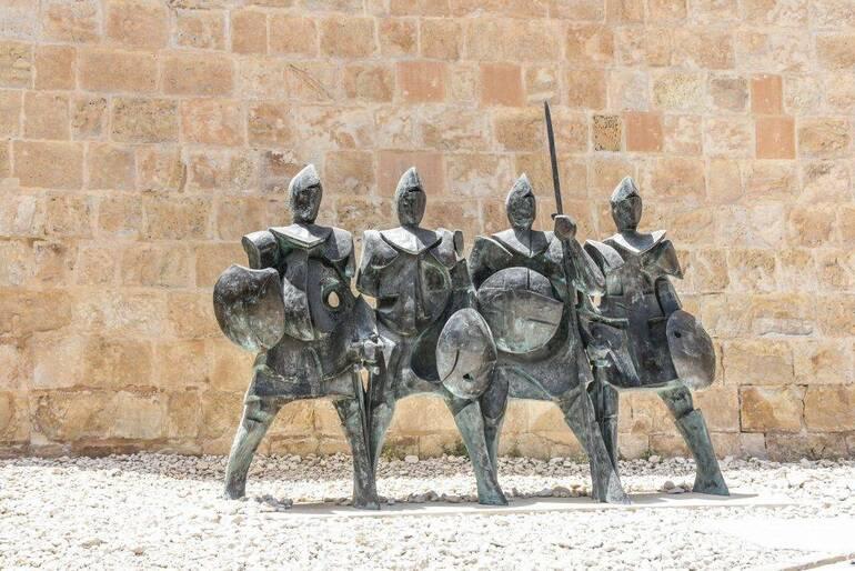 Estatuas de los Caballeros de la Orden de San Juan