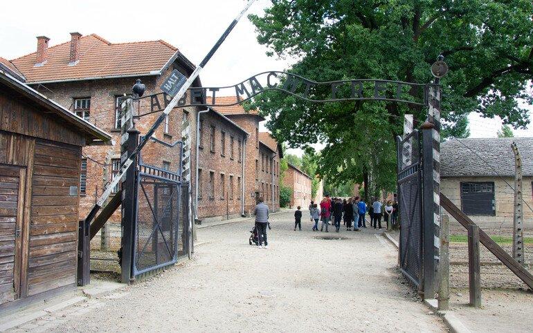 El trabajo libera - Campos de concentración de Auschwitz