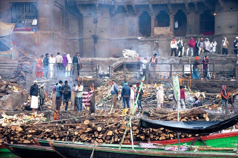 Ghats de las cremaciones en Varanasi