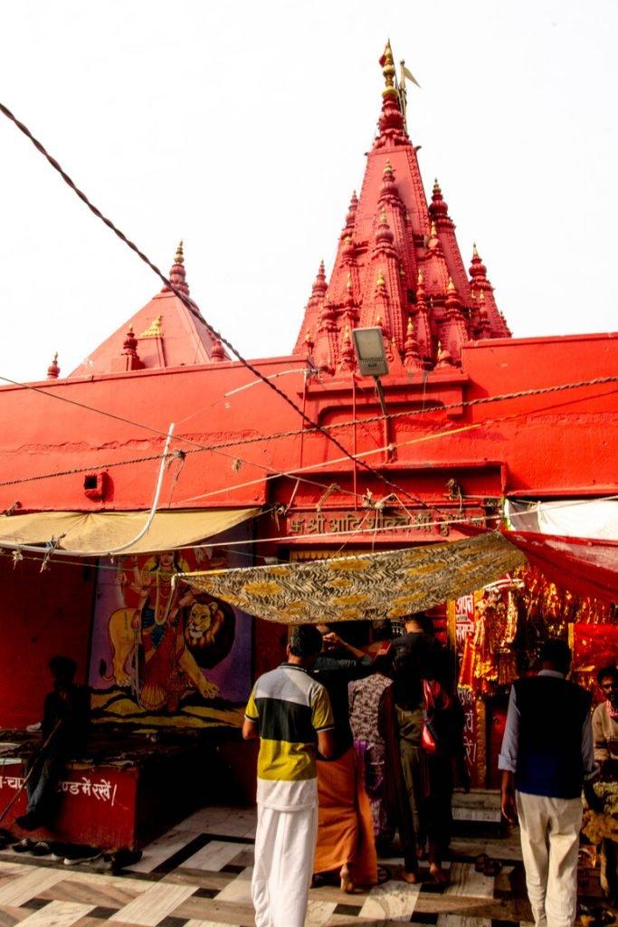 Templo Rojo en Varanasi, India
