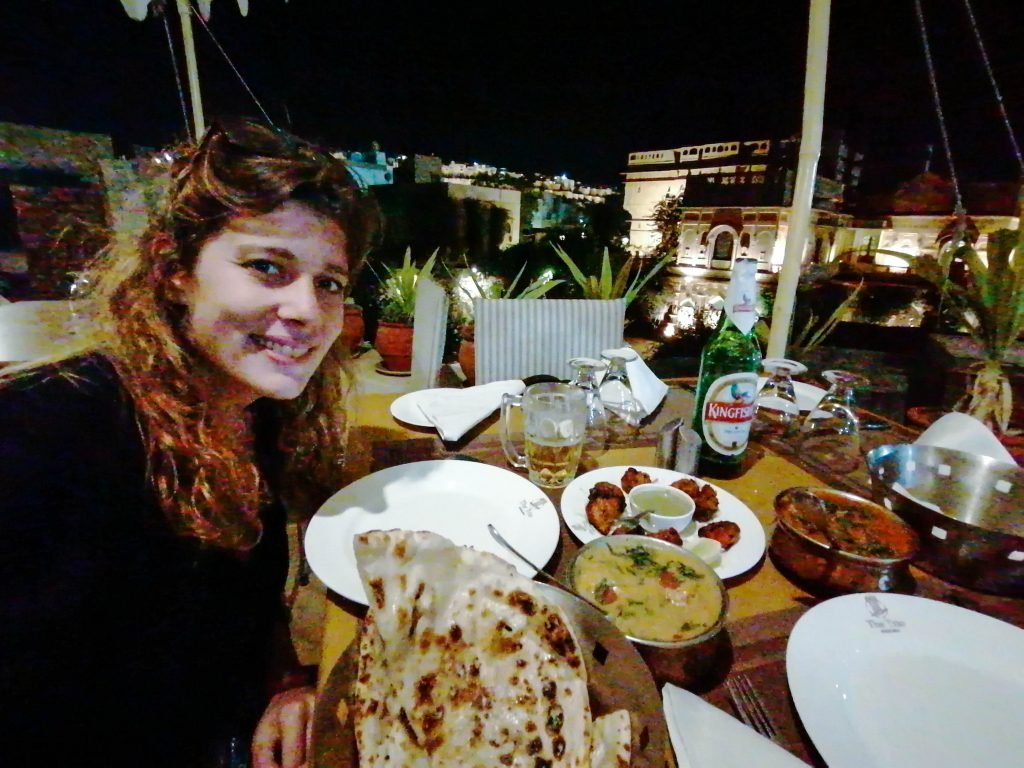 Acompaámiento de la comida típica india