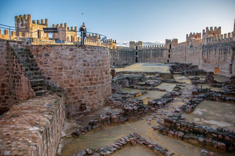 Que ver en Baños de la Encina - Castillo Burgalimar