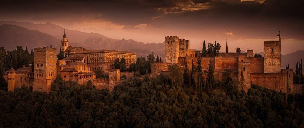 Vistas desde el mirador de San Nicolás para escapada romántica en Granada