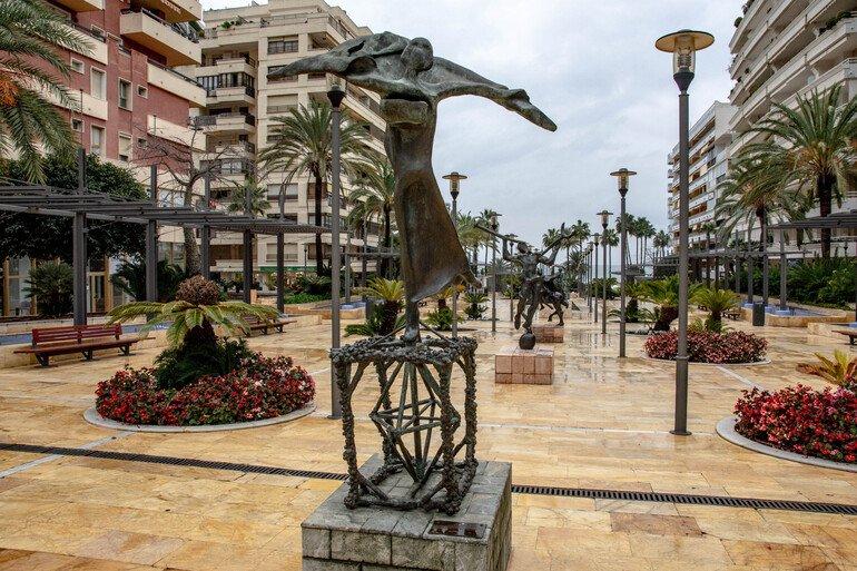 Esculturas Salvador Dalí - Que ver en Marbella
