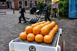 Quesos-bola-Edam-Holanda-Canales-Edam-Holanda-blog-de-viajes