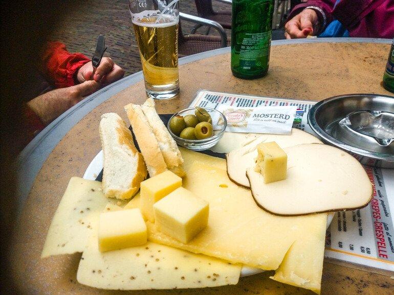 Tabla-quesos-Que-comer-en-Edam