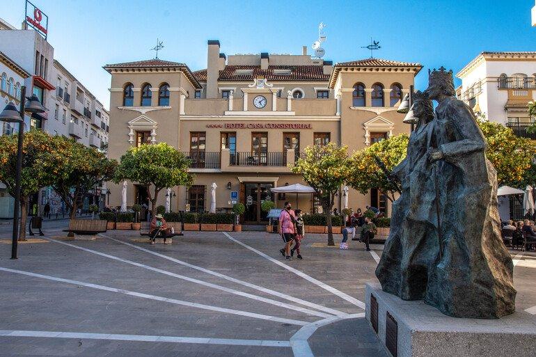 Que ver en Fuengirola - Plaza de los Reyes Católicos